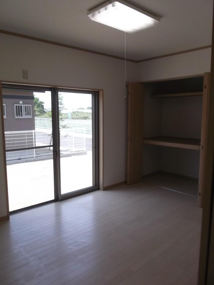 洋室6畳(居間)